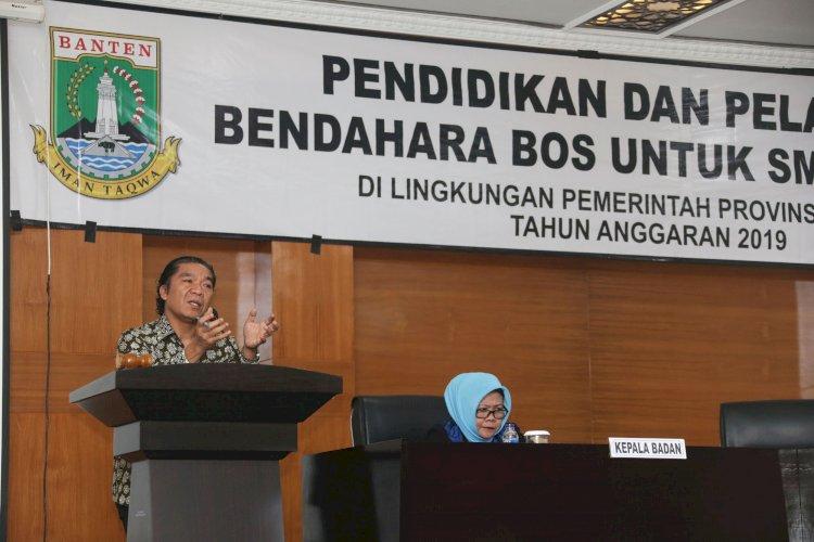 Sekda membuka acara pendidikan dan Pelatihan bagi bendahara BOS untuki SMK, SMA, SKH dilingkungan prov Banten