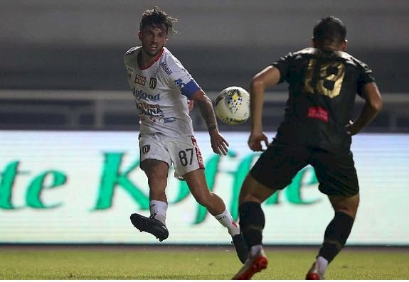 Klasemen Liga 1: Bali United Memimpin, Persib-Persija Tercecer di Urutan Belasan