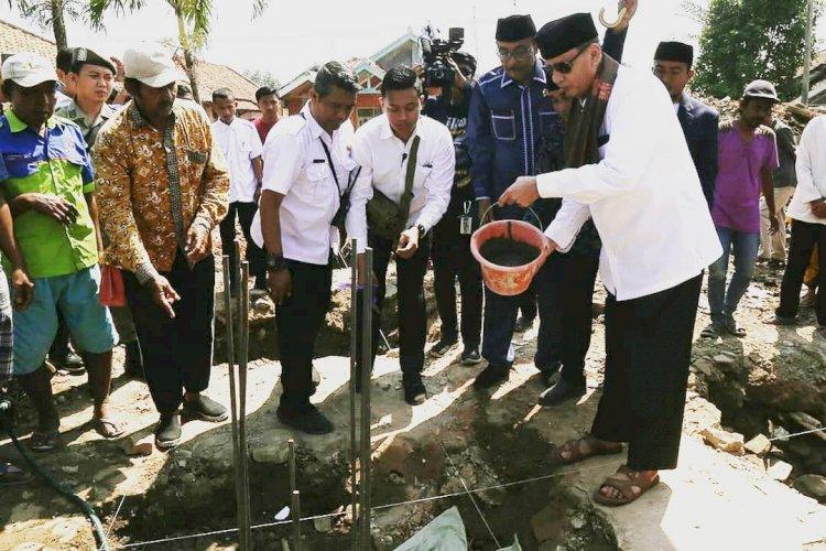 Peletakan batu pertama  pembangunan Masjid Jami Al-Muhajirin, di Desa Wanayasa , Kecamatan Pontang, Kabupaten Serang