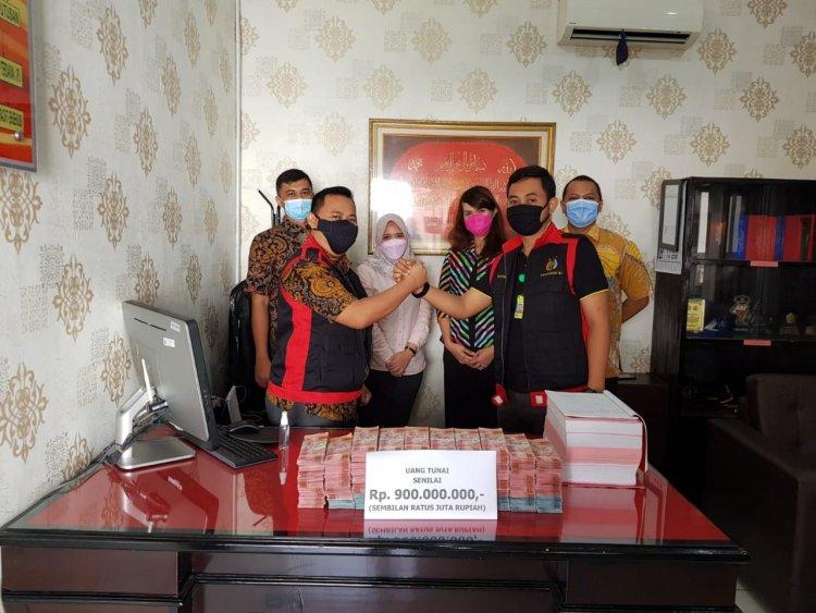 Kajari sita uang 900 juta dari tersangka  korupsi Rumah sakit Sitanala.