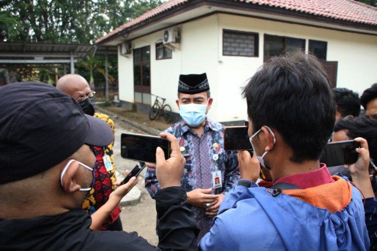 *Ratusan Ribu KPM di Kabupaten Serang Terima Bantuan Beras PPKM*