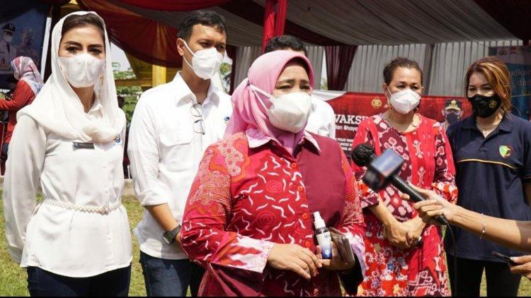PT Tigalapan Investama Group Serahkan Bantuan Dana CSR Kepada Tim Fasilitasi CSR Kota Tangerang Selatan